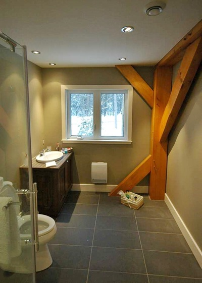 <b>Mont-Tremblant, Quebec</b><br>Bathroom with timber accents