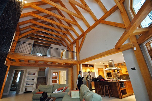 <b>Mont-Tremblant, Quebec</b><br>Timber frame great room