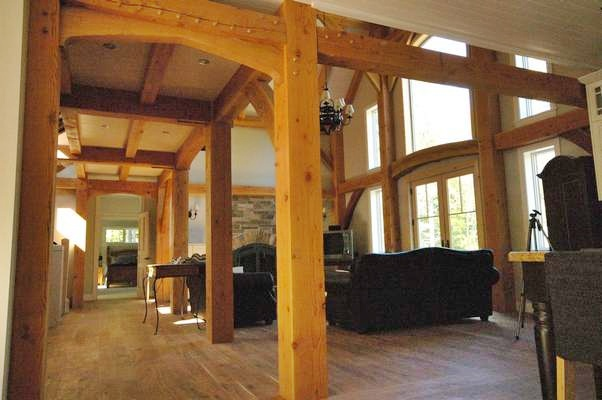<b>Chelsea, Quebec</b><br>Timber framed hallway arch