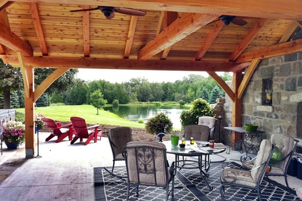 <b>Rockwood, Ontario</b><br>Traditional outdoor kitchen in Douglas fir