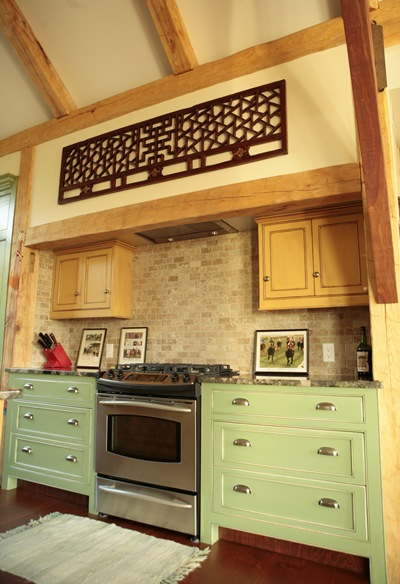<b>Saint-Lazare, Quebec</b><br>Hand hewn timber framed kitchen