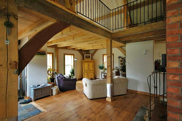 <b>Saint-Jovite, Quebec</b><br>Timber framed living room