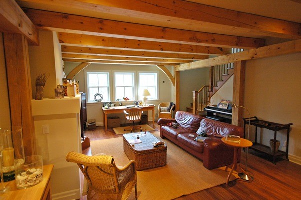 <b>Hudson, Quebec</b><br>Timber framed TV room