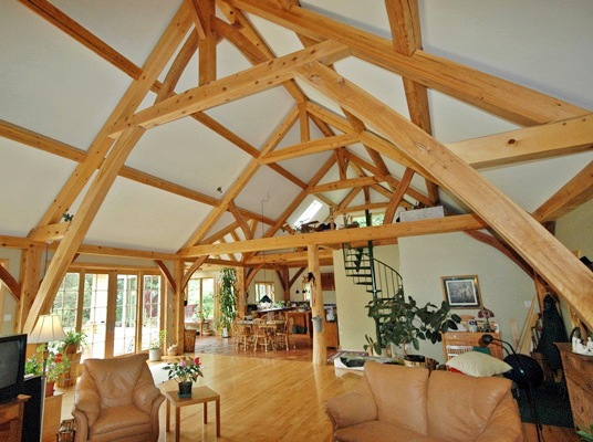<b>Sainte-Marthe, Quebec</b><br>Timber framed great room