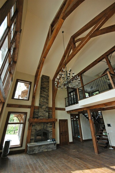 <b>Mont-Tremblant, Quebec</b><br>Timber trusses &amp; great room